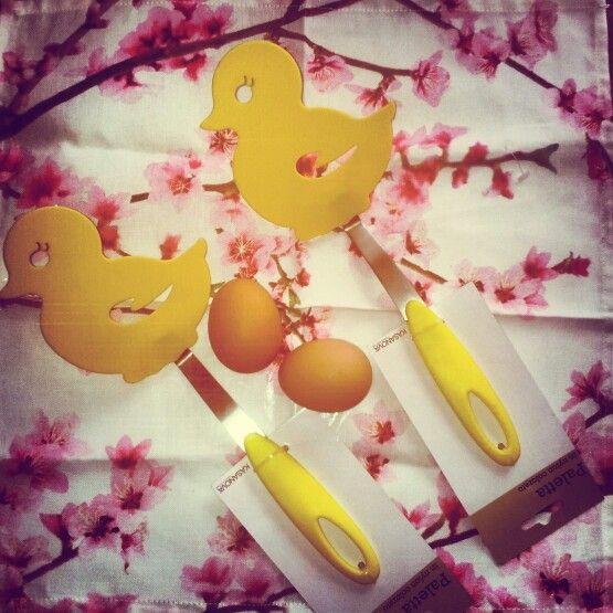 Chicks!! Easter time :)