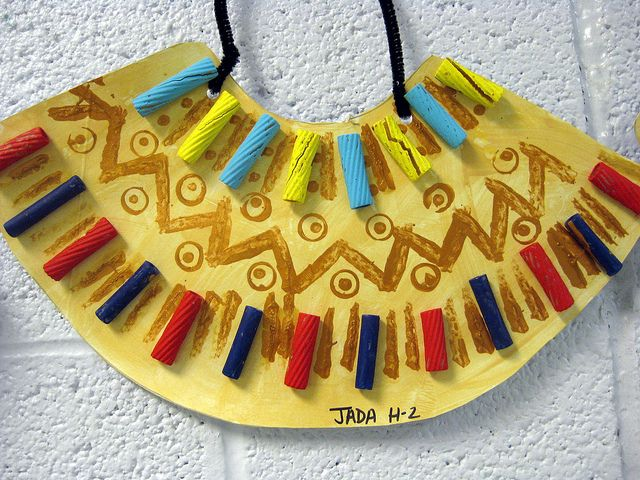 My second grade students performed a silly little play I wrote called Walk like an Egyptian. In art class, we created these necklaces...more here: cassiestephens.blogspot.com/2012/06/in-art-room-walk-like...