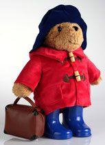 Медвежонок Паддингтон по прибытии в Питер ,по  рассказам английского писателя Майкла Бонда