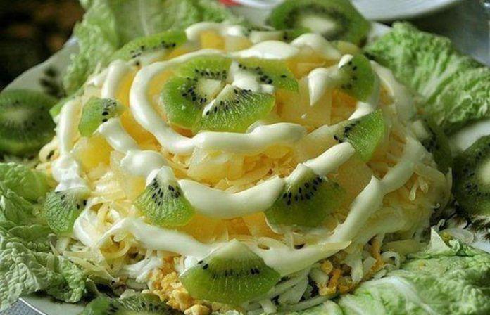 Неповторимый вкус!  Очень красивый и вкусный салат «Хелел» украсит любой праздничный стол.Благодаря продуктам входящим в его состав, он имеет сложный, неповторимый вкус! Очень вкусно и красиво!  Ингреди…