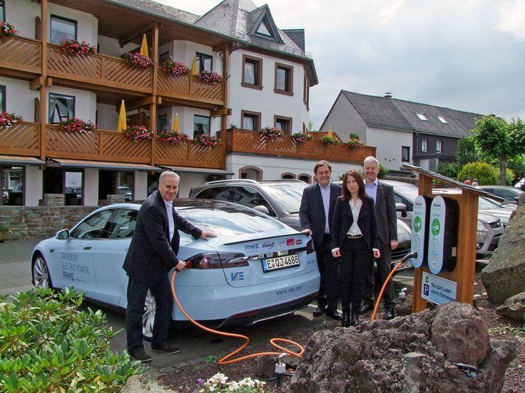 Bis 2020 sollen in Deutschland eine Million Elektroautos fahren…