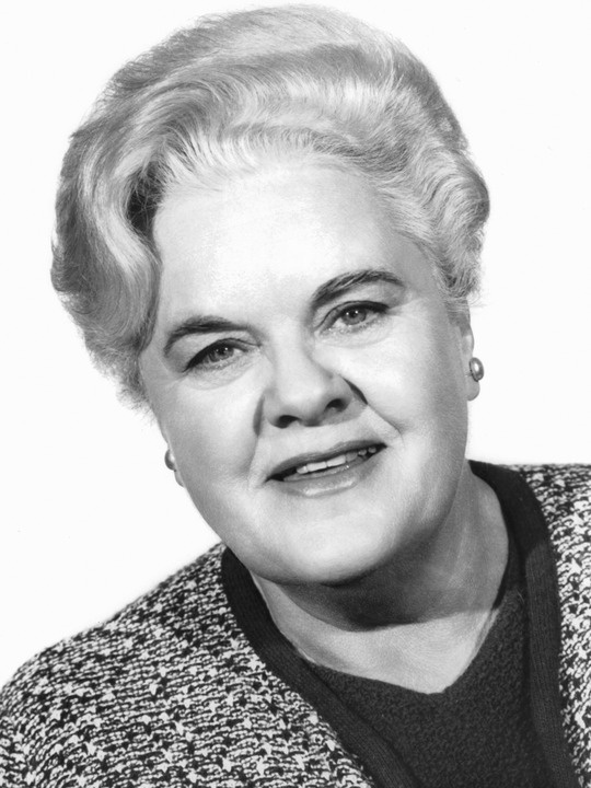 Reta Shaw (actress) - Died January 8, 1982. Born September 13, 1912. Martha Grant on TV's The Ghost and Mrs. Muir and many other small but important parts http://www.imdb.com/name/nm0789931/bio