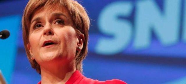 Brexit: Αντιδρά η Σκωτία στο σχέδιο Μέι: Τα πρώτα σχόλια ξένων ηγετών και αξιωματούχων γύρω από την ανακοίνωση του βρετανικού σχεδίου για…