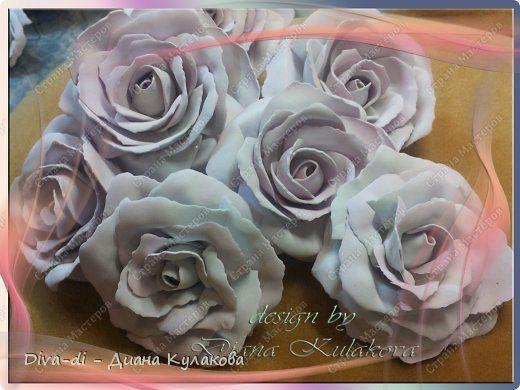 В этом мастер-классе покажу еще один способ, более быстрый - как сделать розу. Быстрота заключается в том, что тонировать лепестки мы будем не по-штучно, а целыми полосами. фото 1