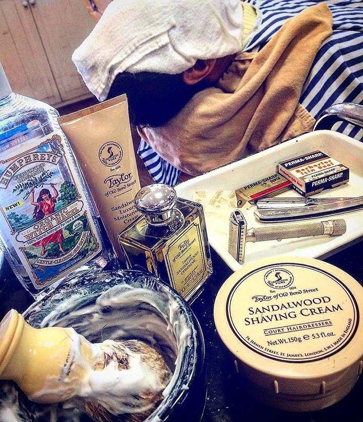 Taylor of old bond street now available on our site http://ift.tt/2zMphVN  Regranned from @haircraftgoro -  Sandalwood #barber #shaving #shavingcream #beardlovers #humphreys #doubleedgerazor #derazor #sandalwood #shaving via @prohibitionstyle
