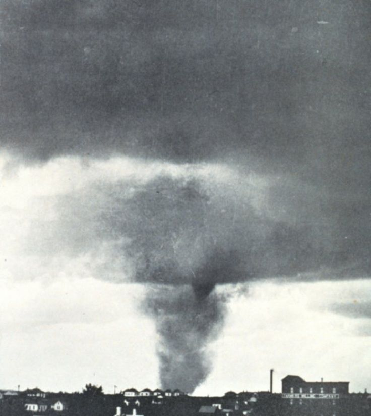 Super Outbreak, 1974 (148 tornadoes, in 13 U.S states plus the Canadian province of Ontario)