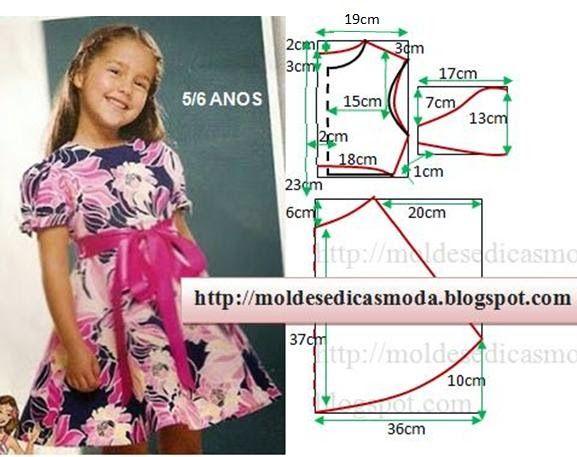 PASSO A PASSO MOLDE DE VESTIDO Corte um retângulo de tecido com a altura e largura que pretende para as costas e frentes do vestido. Dobre ao meio o retâng