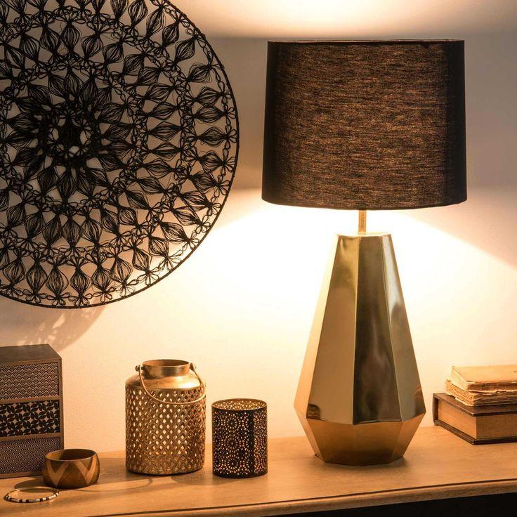 Vergulde Lamp En Zwarte Lampenkap ... Anhänger LampenDiamantenGold Lampen WandschmuckLichtwändeInnenräumeMöbel