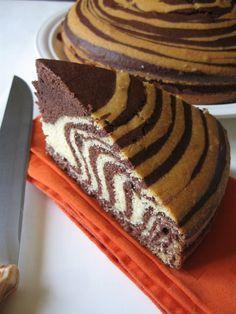 Torta zebrata #dolce soffice e bicolore realizzato con pochi e semplici ingredienti, ottimo per la merenda o la #colazione.