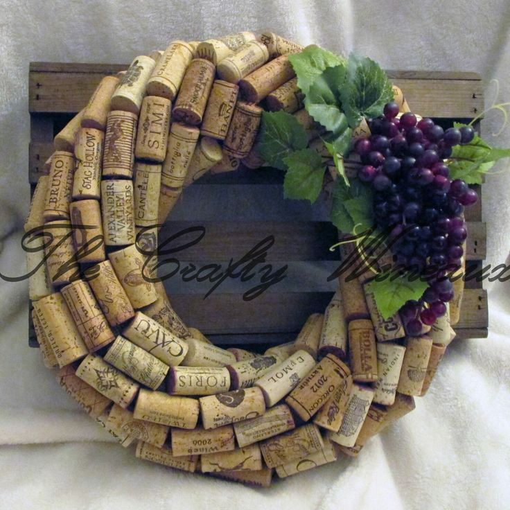 Just sold! Get your #Wine #Cork #Wreath by #TheCraftyWineaux today! Also on http://thecraftywineaux.com!