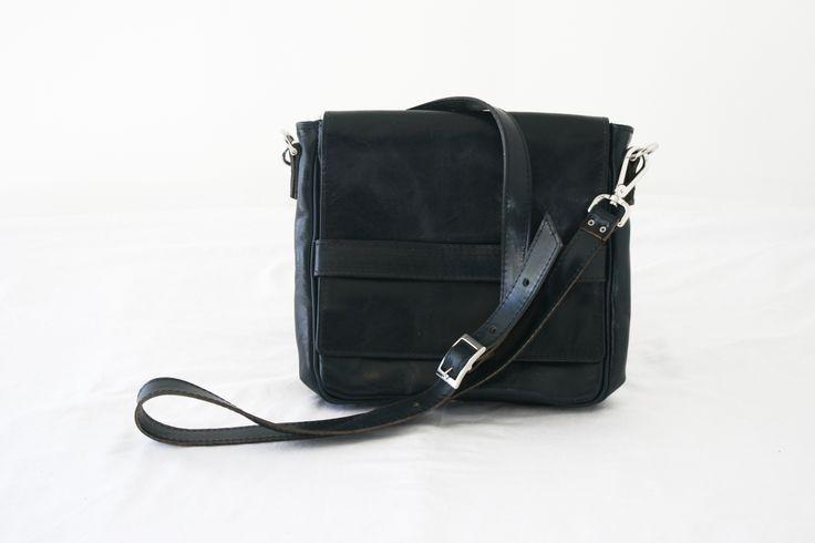 The Crossbody Tablet bag