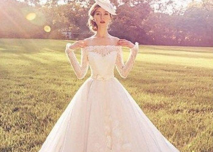 女性らしさNO.1♡スカートの形別『オフショルダー』のウェディングドレス特集*のトップ画像