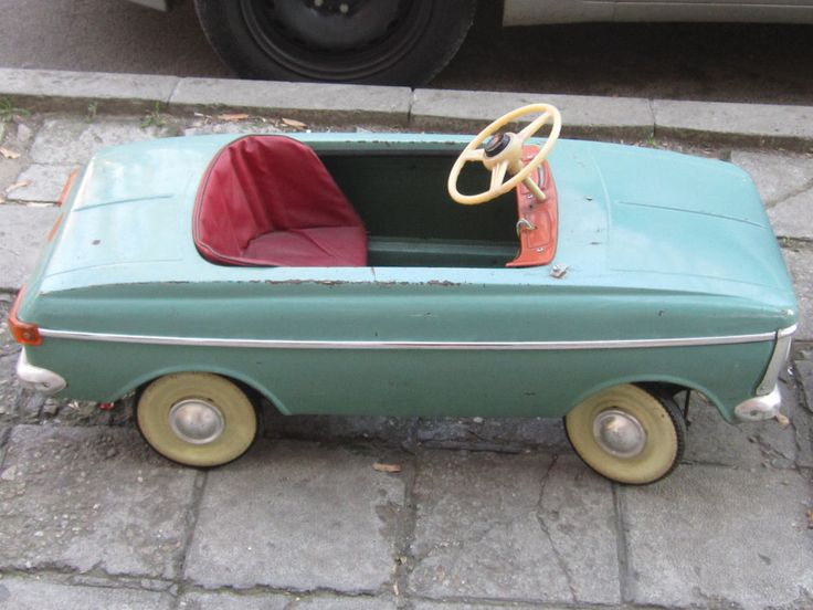 VERY RARE Old Vintage Russian Metal Pedal CAR MOSKVICH MOSKVITCH МОСКВИЧ 1970's #Moskvich