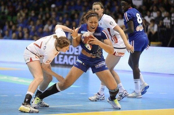 Nina Kantode l'équipe de France, lors d'un match de la Golden League contre la Norvège, le 23 mars 2013, à Nantes