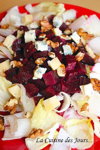 Salade de Betterave Rouge et d'Endive aux Noix et Bleu d'Auvergne - Une entrée sans prétention mais qui a du goût ! Photo : Eric - La Cuisine des Jours... © 2015