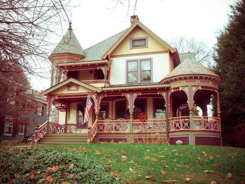New England Victorian House Victorian Homes Victorian