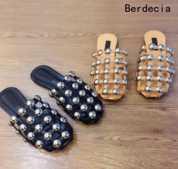 Sexy Round Toe Cutouts Studded Rivet Fashion Mixed Color Comfortable Flats Shoes Women Summer Hot Sale Black Nude Slippers