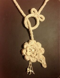 Free Crochet Flower necklace instructions