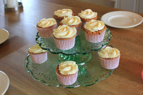 Gulrot cupcakes (Fredrik Solbakk Andersen) I  think we have a winner! This person takes time to explain why one should do so and so. Which makes it more interesting I think!