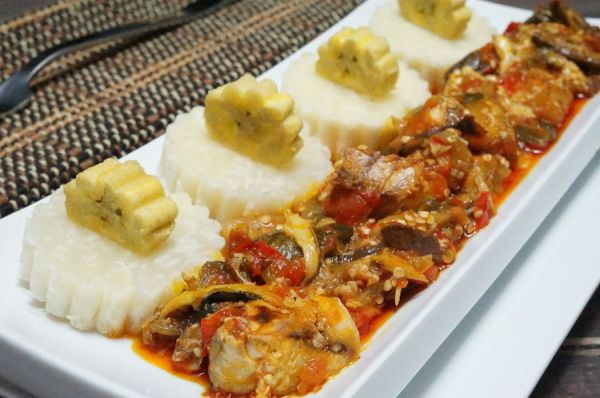 Nigerian Garden Egg Sauce recipe with African yam and Boiled plantain