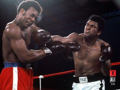 George Foreman and Muhammad Ali   Throwing  Chingasos!
