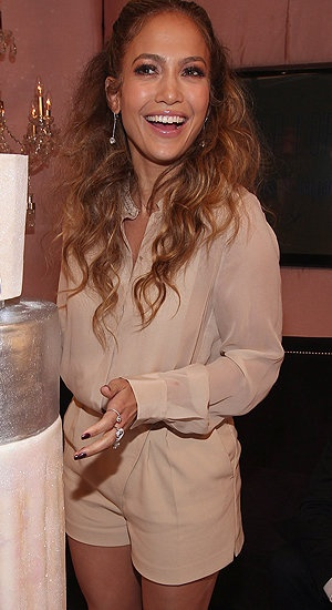 Not always the biggest fan of J.Lo's style but love this look!