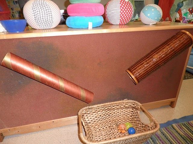 Awesome idea for behind the shelves! I do this outside on the fence too