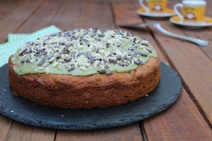 Torta al mascarpone con pistacchi SENZA BURRO è una torta veloce da preparare e soffice ottima per la prima colazione o la merenda.
