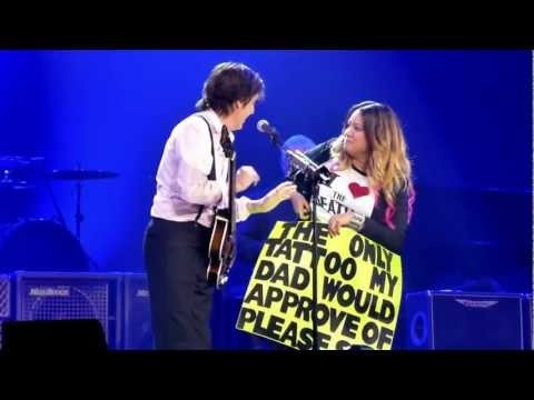 Paul McCartney Edmonton 1st Night - Montreal Gal gets Ribs Signed (not cut off at top).mov. Bend over Baby! - Published on Nov 29, 2012 by Dana Koch