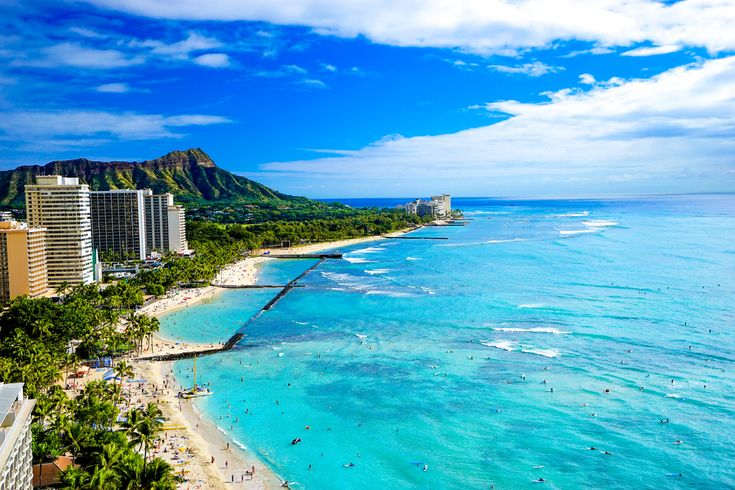 Stunning Waikiki beach takes our breath away! check out our holiday package island hopping Hawaii in Waikiki and Maui!   #hawaii #hawaiiholiday #beach #beachdestination #puredestinations
