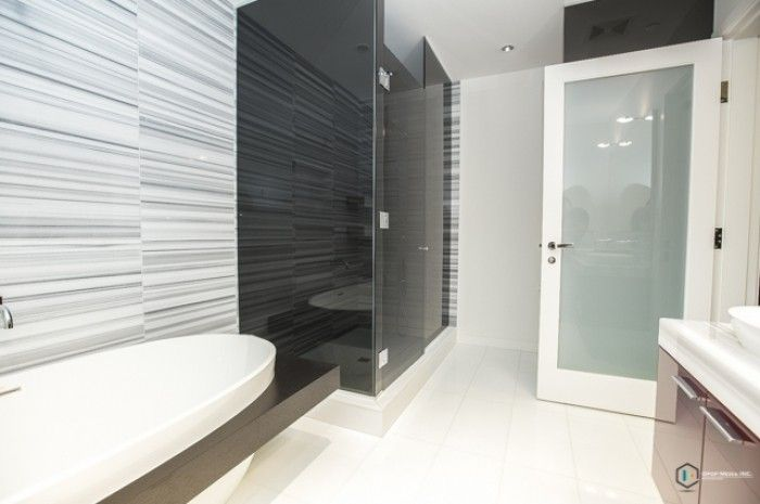 Vancouver Luxury Rentals - Rare NW Facing 2BR + Den @ Three Harbour Green