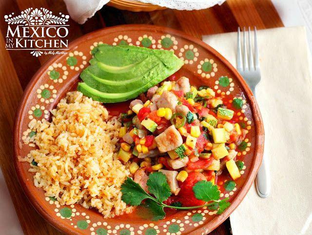 Calabacitas con puerco. Pork and zucchini stew a mexican recipe #mexicanfood #mexicancuisine #mexicanrecipes #pork