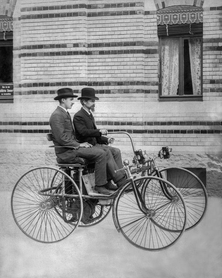 "#tbt 1889: Wilhelm Maybach steering the Daimler Stahlradwagen (""steel-wheeled car""). . #antique #brass #mbcar #history #daimler #mbclassic #mercedesbenz #automotive #throwback #bw #carpic #mercedesclassic #pioneer"