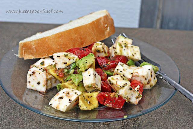 Avocado Tomato Mozzerella Salad: a quick and easy salad... I like quick