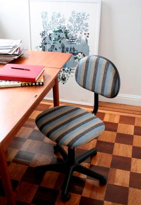 chair makeover!: Recover Offices Chairs, Desks Chairs, Chairs Upgrades, Diy Wednesday, Offices Chairs Redo, Computers Chairs, Office Chairs, Chairs Ideas, Diy Projects