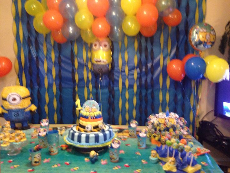 minions party decoration minion bby shower pinterest. Black Bedroom Furniture Sets. Home Design Ideas