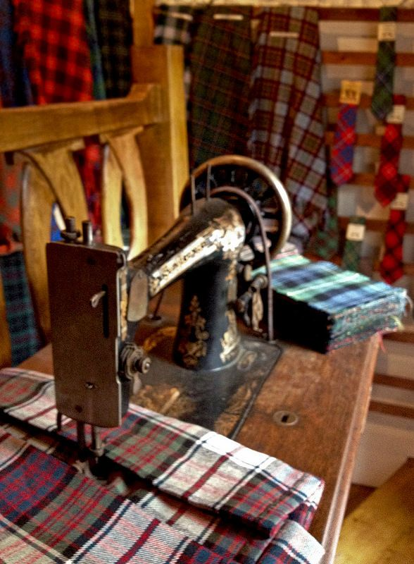 #edinburgh #scotland #clan #pattern #fabric #sewing #machine #art #old #town #timber #interior #decoration #celtic