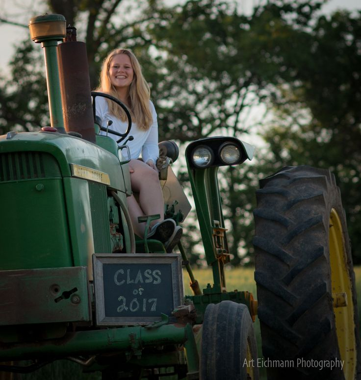 Senior Picture Ideas In The Country: 17 Best Ideas About Tractor Senior Pictures On Pinterest