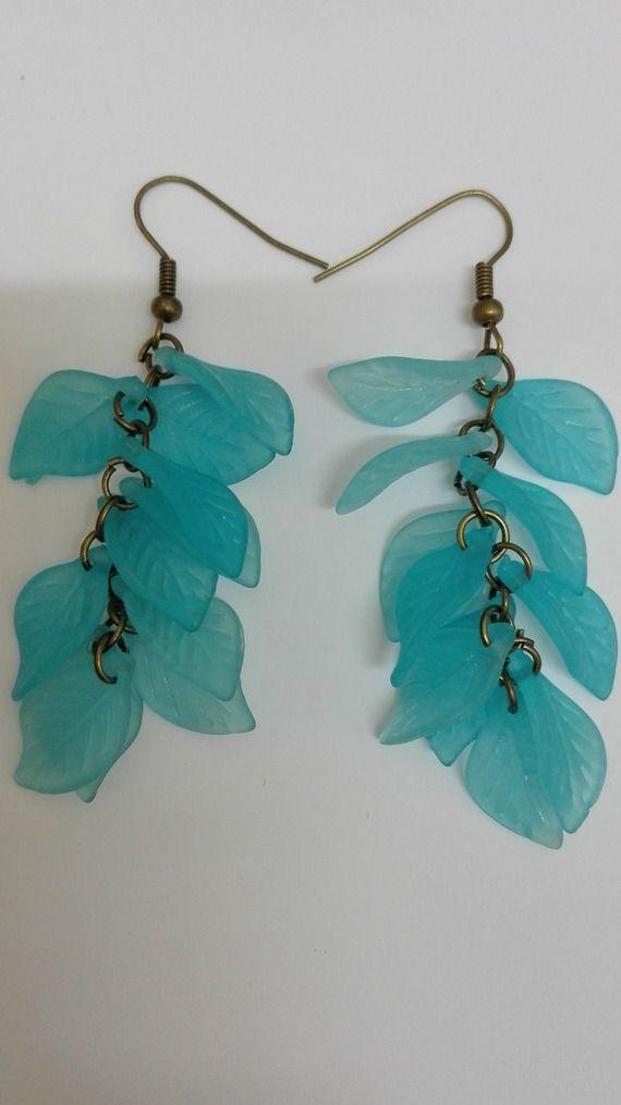 Boucles d'oreilles pendantes grappes- bronze- perles feuilles turquoise -7.5cm