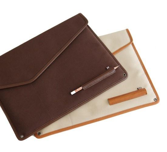 Indigo The Basic handmade canvas laptop pouch case 13inch (http://www.fallindesign.com/indigo-the-basic-handmade-canvas-laptop-pouch-case-13inch/)