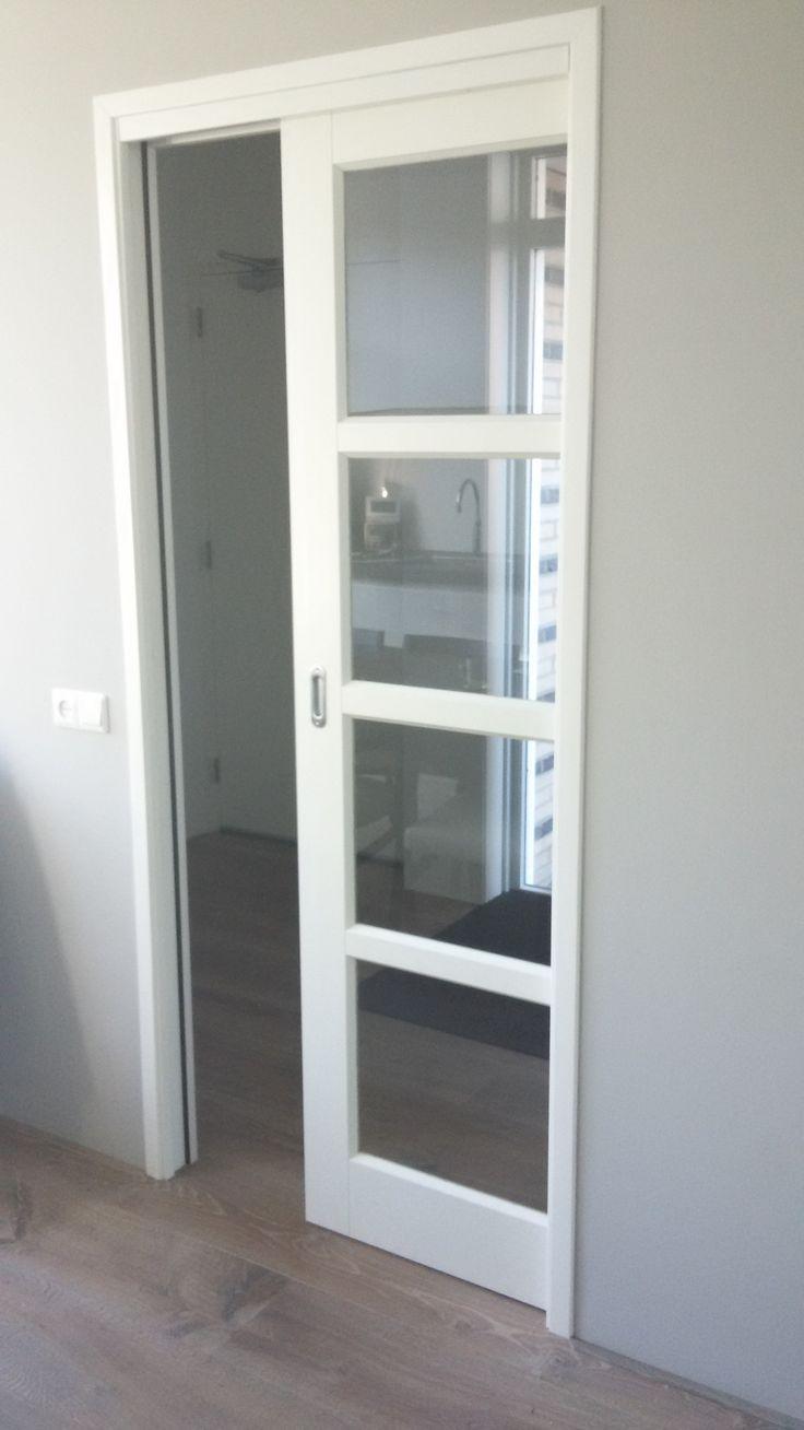 Gemaakt met inbouw schuifdeursysteem 900x2100 - Fam Van Haaften