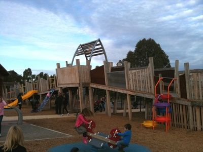 Melbourne WeekendNotes - Markham Reserve Playground - Melbourne - Located alongside the Gardiners Creek bike path and only a couple of streets back from the Ashburton Shopping Village, this is a well kept secret since it opened in 2010.