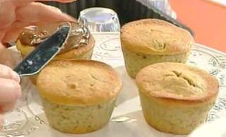 Cuochi per caso...o per forza!!: Muffin di banane e nutella di Antonella Clerici