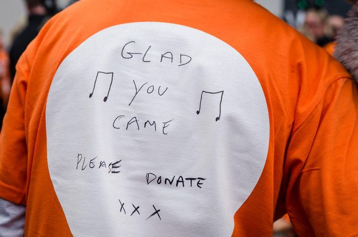 Detalhe da camisa do Tom na Twilight Walk em Kent, na Inglaterra. (18 set.)