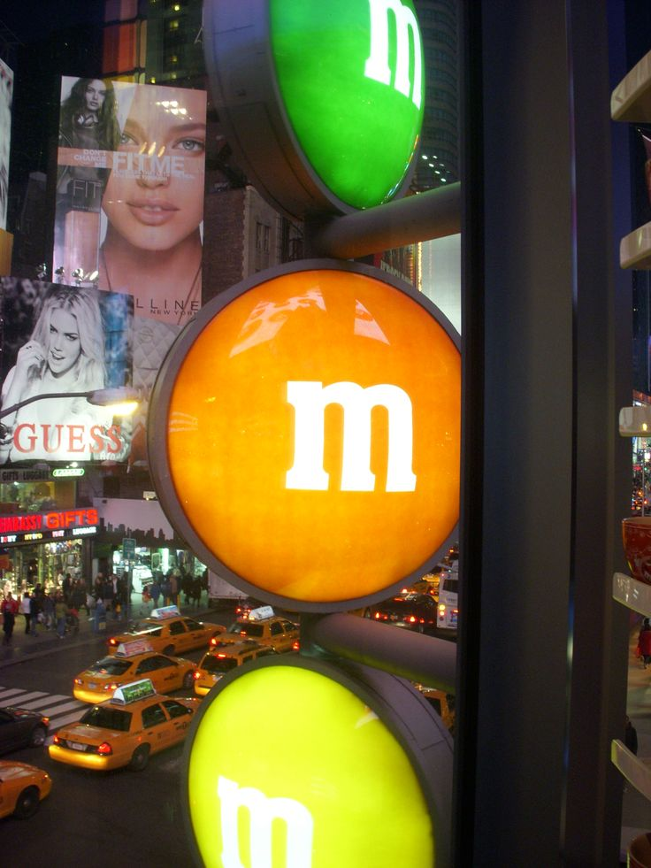 New York : M&M'S & yellow cab