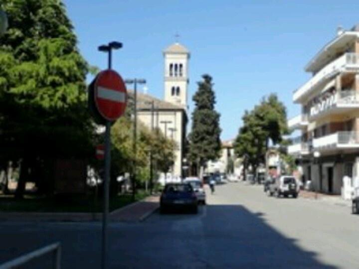Passeggiata in centro a Pineto