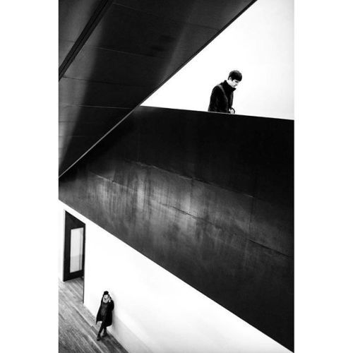 This photo was taken by SPi member Alan Schaller @alan_schaller. . . . This weeks theme is #SPi_Geometry. We want to see your best street photography that features shapes lines and angles. Tag your photos #SPi_Geometry and follow @streetphotographyinternational for your chance to be featured. . . . #SPiCollective #leica #leicacamera #leicamonochrom ##streetphotography #streetshot #streetphoto #ig_street #life_is_street #thestreetphotographyhub #streets_storytelling #ourstreets…