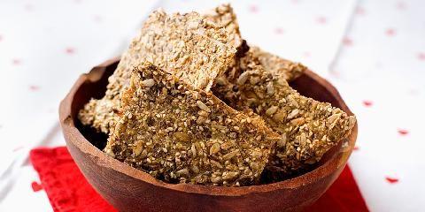 Knekkebrød med havregryn - Det er en grunn til at så mange baker sine egne knekkebrød!