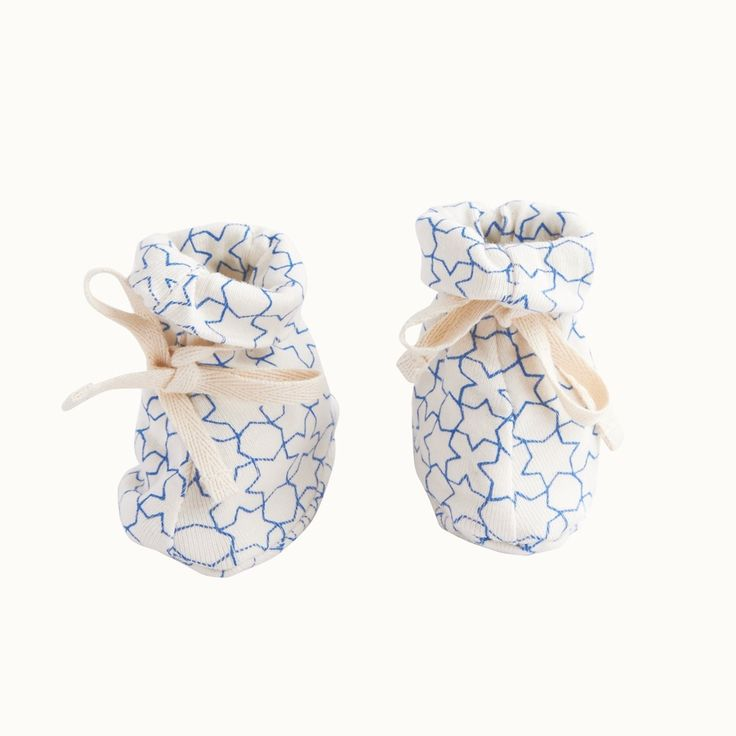 Organic Cotton Drawstring Booties / Pacific Star Print / Nature Baby