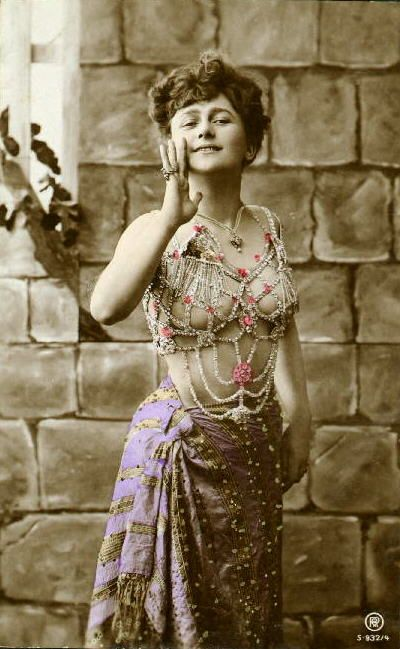 57 best images about Vintage Belly Dance Costumes on Pinterest | Boho hippie Vintage and Belly ...